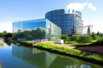 Legislazione e società: incorporation doctrine e real seat doctrine in Europa